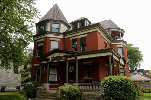 Maywood's Historic Homes